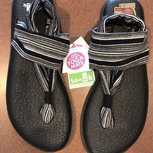 NWT Sling Back Sanuk Sandals